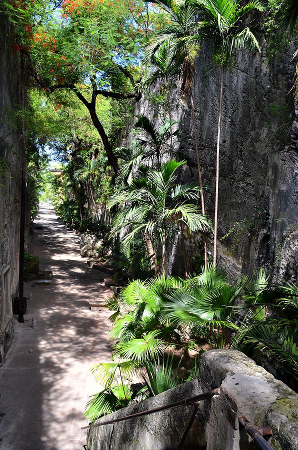 Queens Staircase Nassau